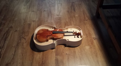 Stradivari Cello